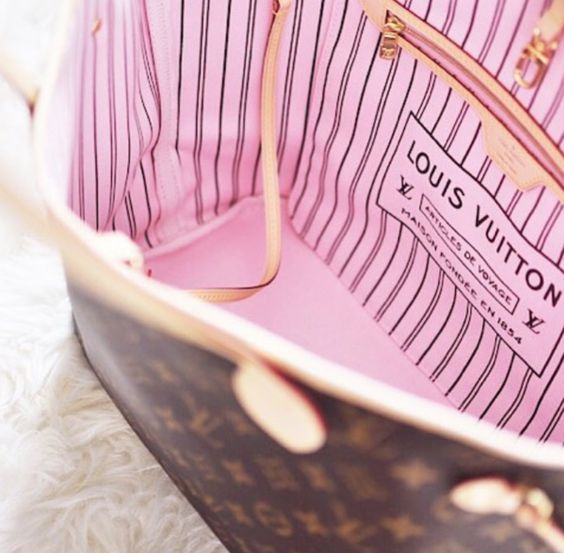 Louis Vuitton | Neverfull MM with Rose Ballerine lining