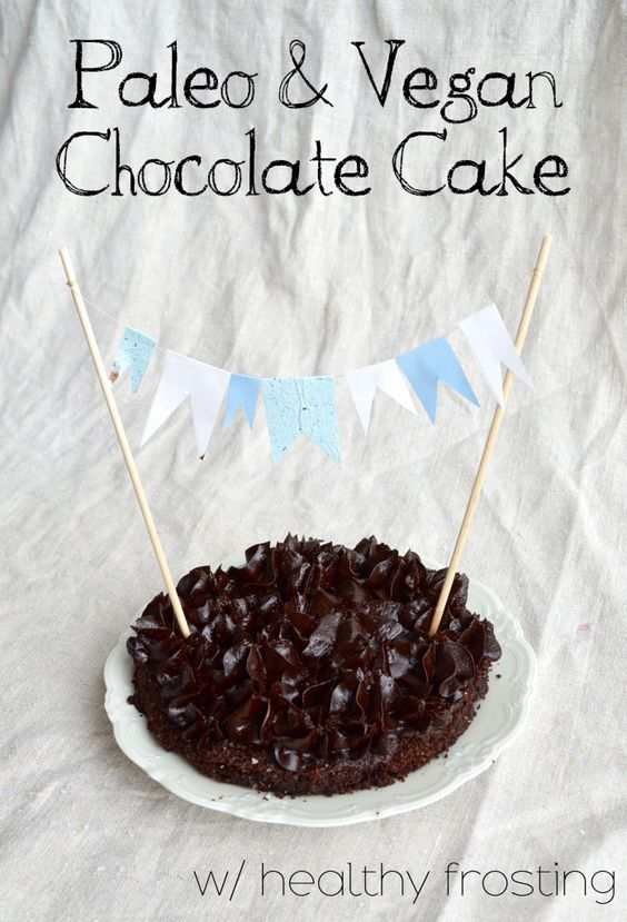 Paleo & Vegan Chocolate Cake - thesmoothielover.com