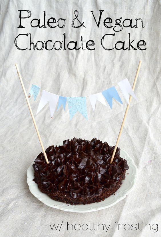 Paleo & Vegan Chocolate Cake - thesmoothielover.com