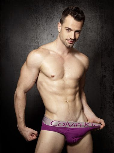 Men in underwear: Photo