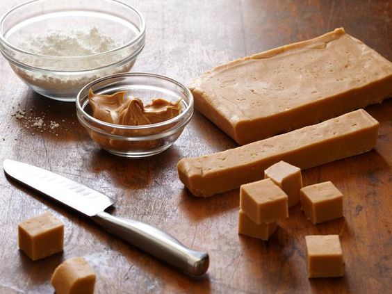 Peanut Butter Fudge- kid friendly, 4 ingredients and microwave... Alton's recipe