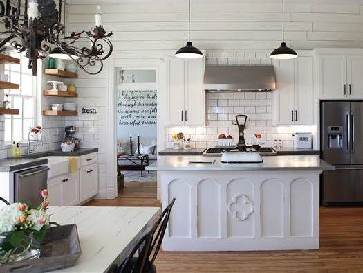 White Duck Or Alabaster Paint Color Architectural Color Consultant Joanna Gaines Kitchen Fixer Upper Kitchen Sherwin Williams Alabaster