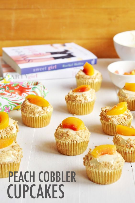 These are the Peach Cobbler Cupcakes Max makes for her family... get the recipe to make your own!
