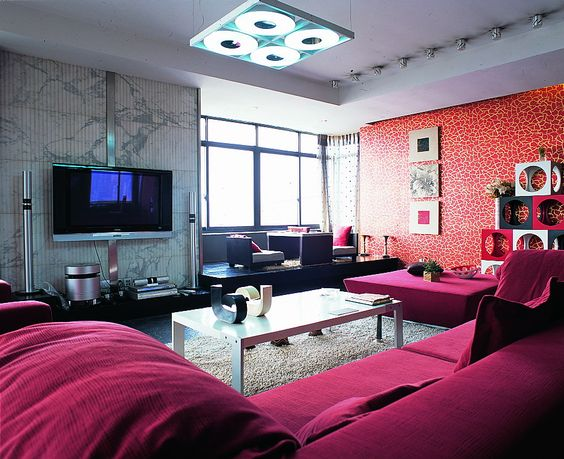TV backdrop of choice must be combined with TV cabinet, coffee table, sofa and curtains to choose the color