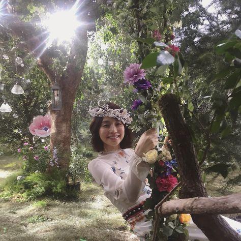 花冠をつけた石田ゆり子