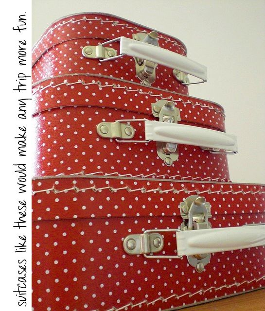 Love this vintage suitcases!