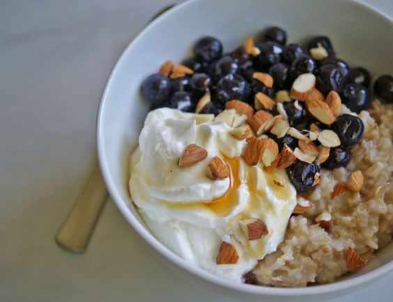 How to Make the Healthiest Bowl of Oatmeal | anutritionisteats.com