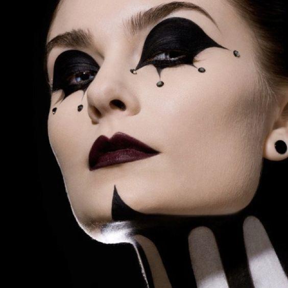 Makeup Ideen Frauen komplettes Gesicht bemalen