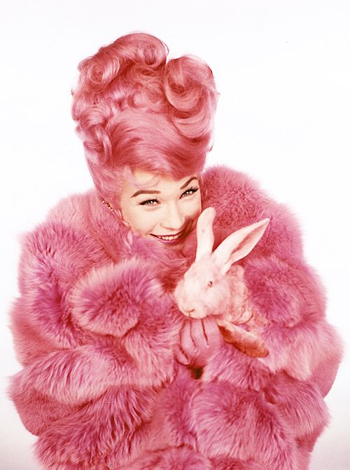 Shirley MacLaine photographed for What a Way to Go! (1964):