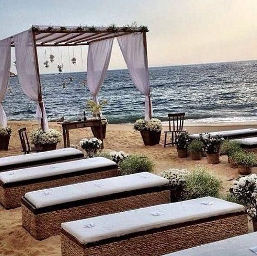 BEACH WEDDING INSPIRATION. Great seating idea.: