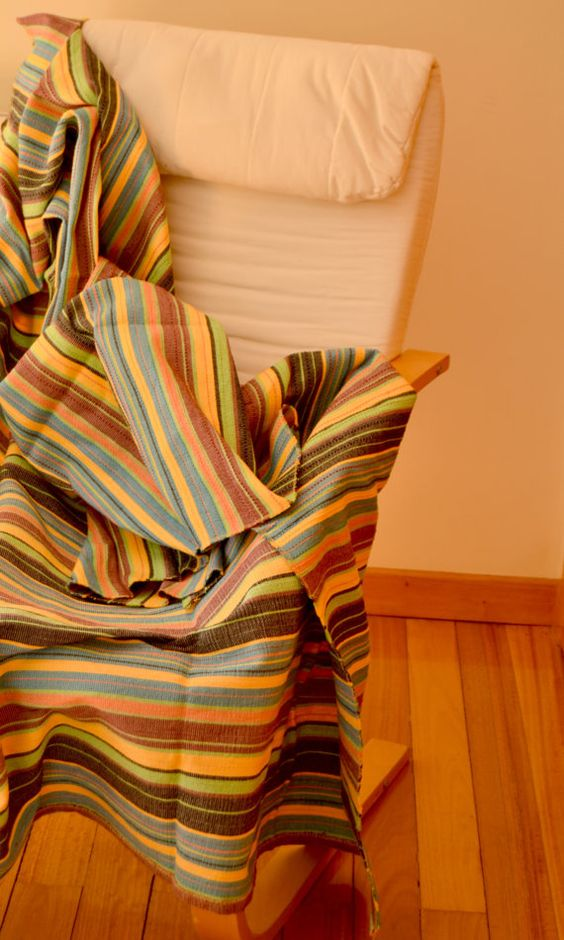 Throw Blanket in four different color pattern. by FeiradeBarcelos
