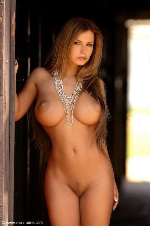 Sexy nude women photos