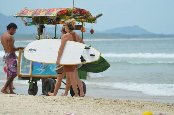 Surfe feminino na Barra da Lagoa