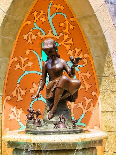 Cinderella & her crown in Disney World