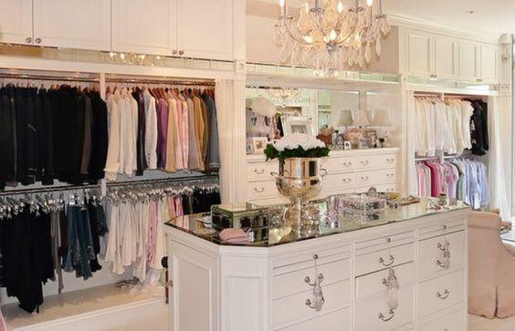 closet YES