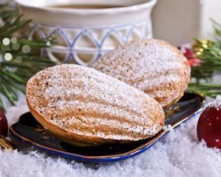 Madeleines de Noël allégées parfum pain d'épices : http://www.fourchette-et-bikini.fr/recettes/recettes-minceur/madeleines-de-noel-allegees-parfum-pain-depices.html