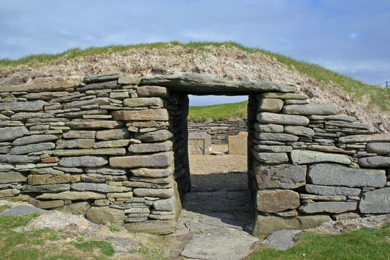 The Knap of Howar, Papa Westray  The oldest remaining stone house in Europe - up to 3500 BC