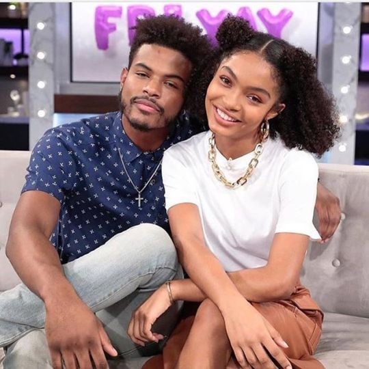 Grownish Yara Shahidi and Trevor Jackson
