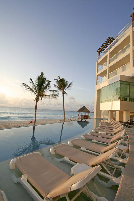 Disfruta de tus vacaciones en #Mexico. Las playas más paradisíacas se disfrutan mucho más cuando el confort es perfecto. http://www.bestday.com.mx/Ofertas/