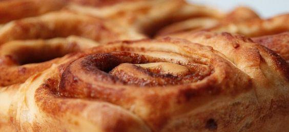 Easy peasy Cinnamon Roll recipe: Bread Machine Recipes, Cinnamon Roll Recipes, Breadmaker, Simple Recipe, Breads Rolls, Cinnamon Roll Bread, Bread Machine Cinnamon Rolls, Dessert