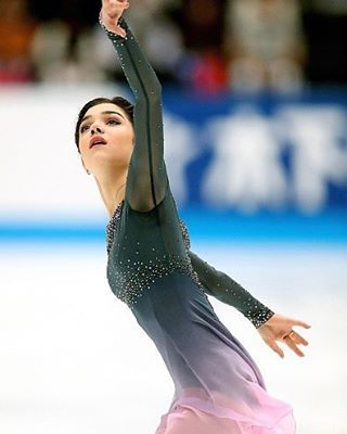 Happy birthday, champion! ❤  Hope for the best for you, many wins and show all the world who is the best! 💚 #evgeniamedvedeva #happy #smile #cute #happybirthday #17 #figureskating #life #passion #proud #champion #queen #slay #russia