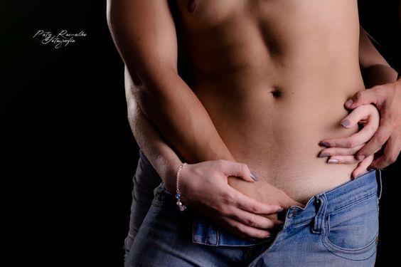 Homens, fotos masculinas, iluminação masculina , sensual masculino studio, fotos de homens, sexy men. Confira o ensaio no site  http://patyramalhofotografia.com.br/portfolio/sensual-masculino/