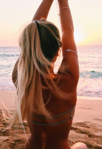 Golden Hues + Sleepless nights + salty hair. Who is ready for summer to be back already? #boho #beachbabe #bohobeachbabe