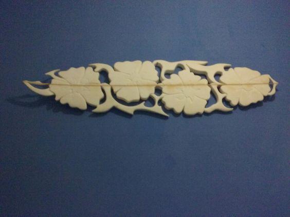 Escultura em pranchas de surf....