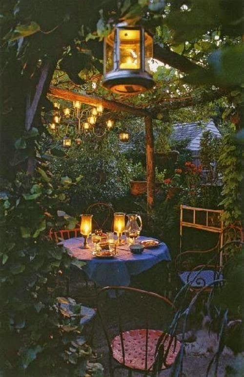 Patio Decorating Ideas - Making A Romantic Sitting Area