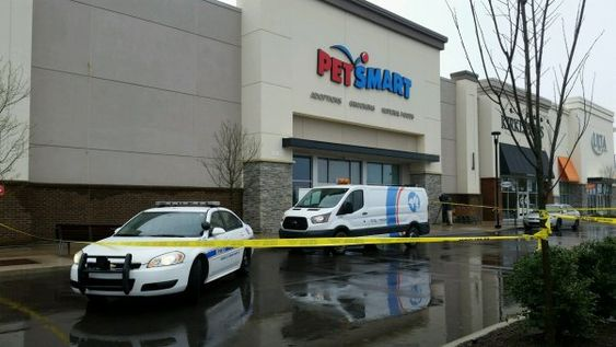 Expose Reveals Sick Animals Left To Die Diseases Filth And More At Petsmart Stores Across The Country Pet Smart Store Petsmart Animal Sentence