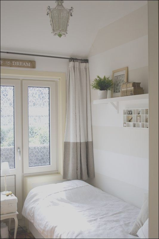 14 Appealing Small Guest Room Ideas Photography In 2020 Small Guest Rooms Small Guest Bedroom Guest Room Office