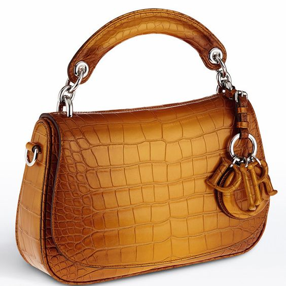 Bags DIOR: Help to choose the right model //  #bags #Choose #DIOR #Help #Model #right http://www.newmediumhairstyles.com/fashion/bags-dior-help-to-choose-the-right-model-7601.html