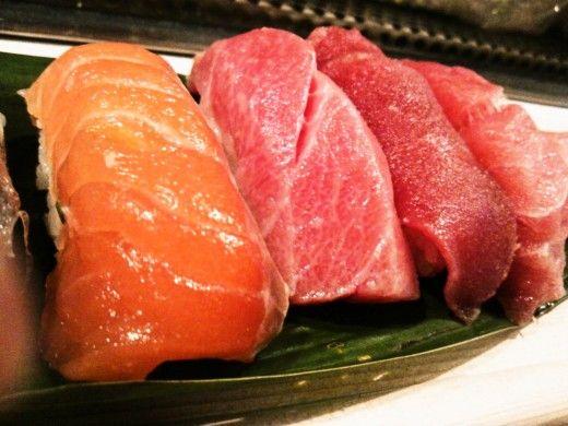 築地場内寿司屋さん。「磯野家」  Sushi Restaurant, Isonoya, within Tsukiji Fish Market