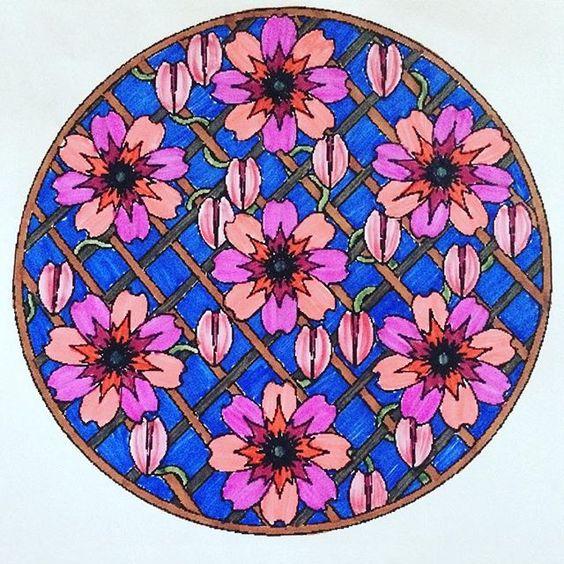 ✏️  #mandala #flowers ✏️