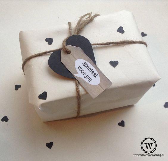 Cadeau inpakken inspiratie; leuke tips en ideeën van cadeaubon tot grote  cadeaus – Mamaliefde