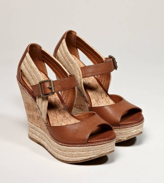 I love Love LOVE these wedges...unfortunately they're rather narrow (or my feet are too wide) so I can't have them :( But I still like to look at um!: Wedges Damn, Cute Shoes, Espadrille Wedge, Brown Wedges, American Eagle, Cute Wedges, Eagle Wedges, Ae Wedges, Shoes Shoes