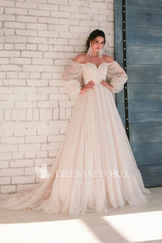 Appliqued Elegant Chiffon Sweetheart Wedding Dress With 3/4 Off-shoulder Sleeves - Dress Afford