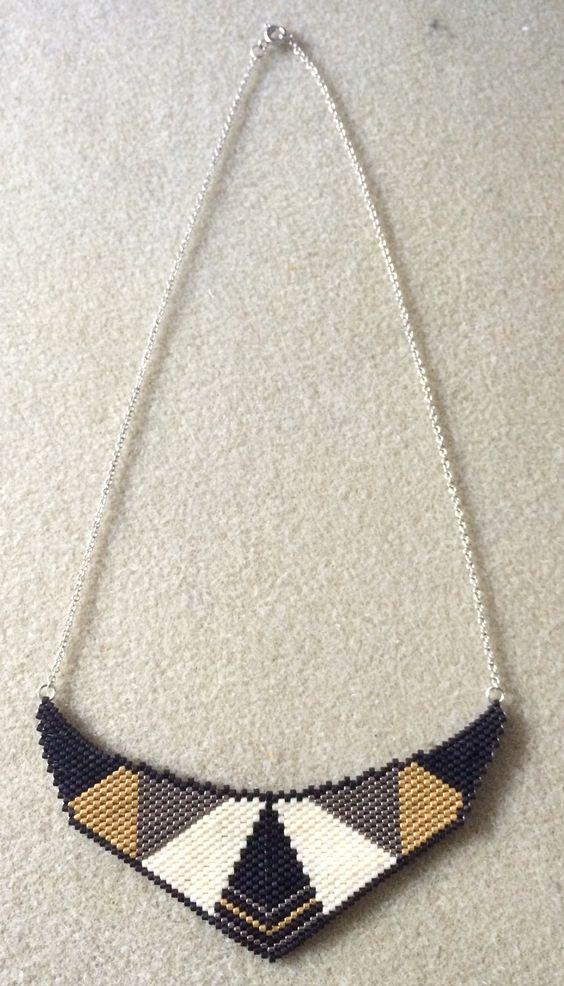 Collier plastron style art deco - tissage peyote avec perles Miyuki: