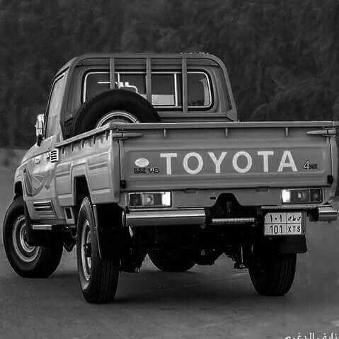 راكب اللي مايضــاهـــا بالديـــار منوة اللــي نـــاوي بعد المسيـر شـــاص مابلونـه بياض ولا سمـار أشهب لـونــــه وتصميمـه مثيـ Monster Trucks Toyota Vehicles