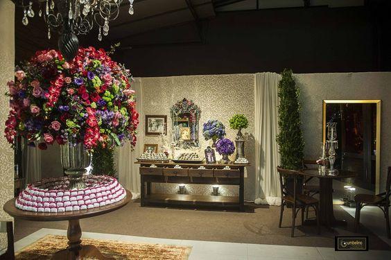 Uma linda Decoração de Casamento Colorida no Le Buffet Lounge hoje no Blog! A Flor e Companhia arrasou neste projeto, e o resultado ficou incrível!! Vem ver