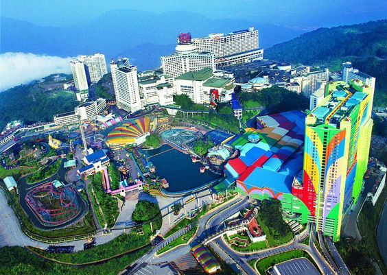 Genting Highlands Is A Standard And A Biggest Resort of Malaysia http://www.ibeautifullandscape.com/2015/07/17/genting-highlands-is-a-standard-and-a-biggest-resort-of-malaysia/ …