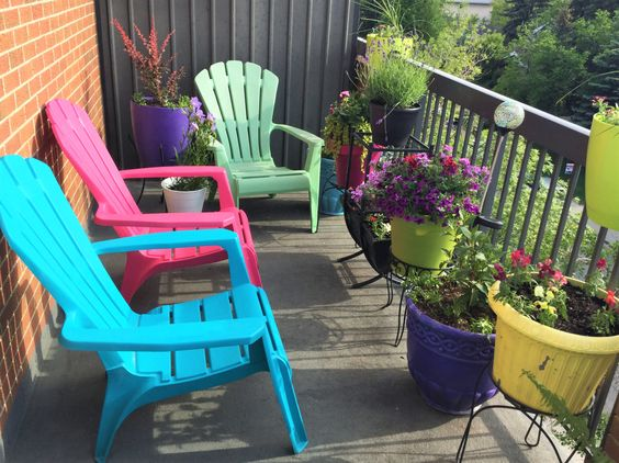Want an enchanted garden?  Here's what you can do.  http://www.lightlaughtermagic.com/enchanted-garden-balcony/
