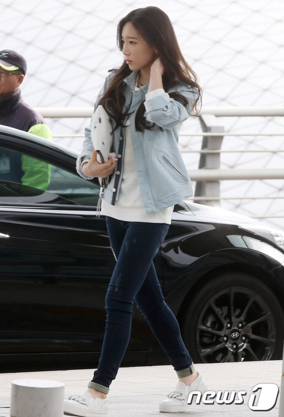SNSD Taeyeon Airport Fashion 150328 2015 | SNSD Airport ...