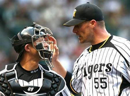 Ryota Imanari and Jason Standridge (Hanshin Tigers)