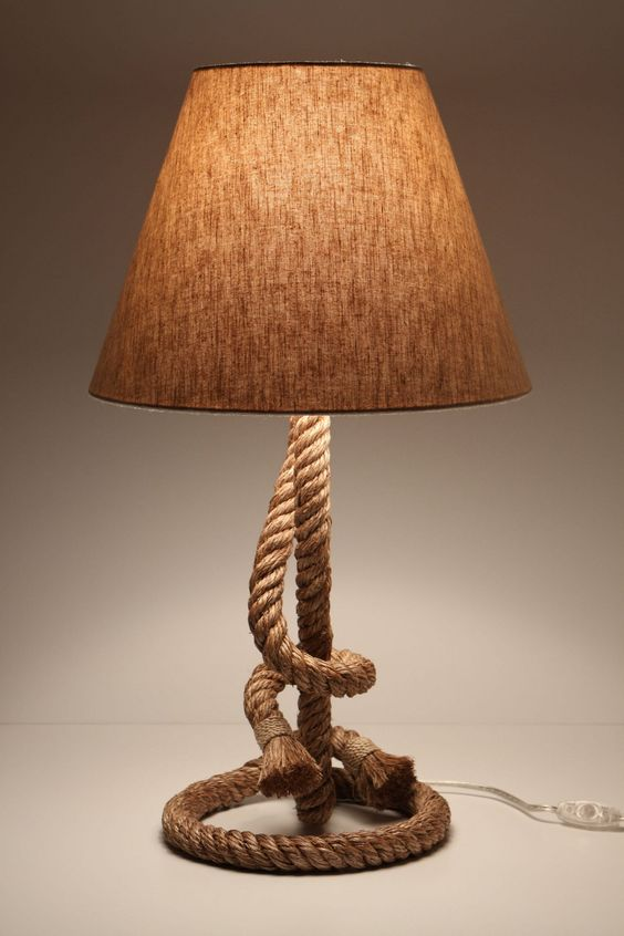 Paused rope lamp