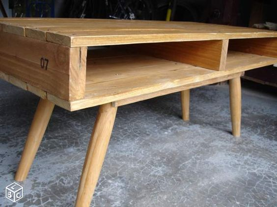 Meuble TV rustique en bois de palettes