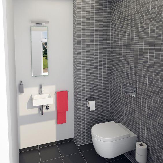 Clou toiletruimte concept. Flush 1 fontein met Kaldur fonteinkraan. Quadria zeepdispenser, Look At Me spiegel met Shine On Me badkamerverlichting. De hangtoilet is afkomstig uit de First serie.