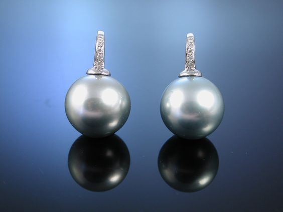 Earrings with Tahitian Pearls! Exquisites Paar Tahiti Zucht Perlen Ohrhänger, Ohrringe Weiss Gold 750 Brillanten