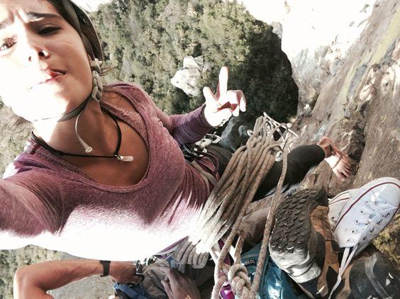 Desde la montaña!  Una fotito de cuando ya estábamos por llegar a la cima de la Peña de Bernal, por la ruta más dura que hay auuuu! Que día! Ahí arriba se siente que eres bien libre, que puedes llegar a donde quieres. ❤️
