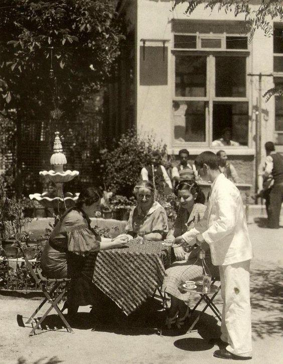 well-known Coffeehouse in Bebek (1930s) - Bebek Kahvesi (1930lar) #istanbul #istanlook